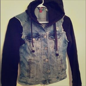 Divided Jean jacket with hood SEE DETAILS IN PICS!